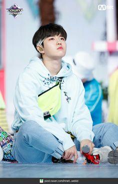Wanna-One - Kim Jaehwan Jaehwan Wanna One, Produce 101 Season 2, Ong Seongwoo, Lee Daehwi, Kim Jaehwan, Ha Sungwoon, Ji Sung, 3 In One, Kpop Boy