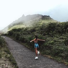 Zsuzso on her way up to the top of Soufriere volcano in Basse-Terre ⛰️ Marie Galante, Good Poses, Active Volcano, Amazing Destinations, New Experience, Caribbean, Cool Photos, Swimsuit, Mountain