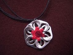 Soda tab flower necklace - not sure how to make this yet...