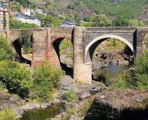 Puente de Domingo Florez, luego el lago de Carucedo, León.