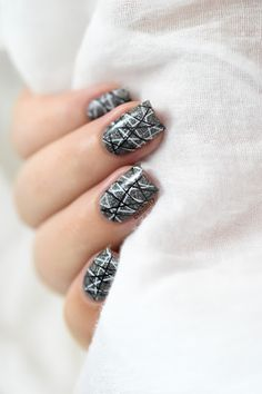 Marine Loves Polish: Black & white double stamping [VIDEO TUTORIAL] - Dance Legend Glory - Bundle Monster BM-316