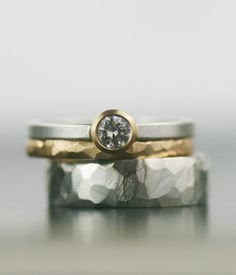 Moissanite and mixed metals wedding band set Minimalist, modern, timeless design. These rings defy gender and give you a beautiful alternative to the Wedding Bands For Him, Wedding Band Sets, Womens Wedding Bands, Wedding Rings For Women, Ring Set, Ring Verlobung, Bling Bling, Wedding Rings Simple, Alternative Wedding Rings
