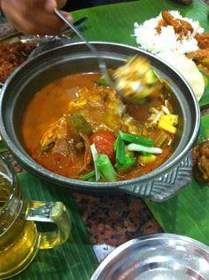 Fish head curry, Karu's Banana Leaf Restaurant, #Singapore #Indian