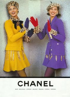 vintage Chanel ad by Karl Lagerfeld with Linda Evangelista and Christy Turlington Chanel Fashion, 80s Fashion, Vintage Fashion, Fashion History, Fashion Trends, Linda Evangelista, Estilo Coco Chanel, Vintage Chanel Earrings, Mode Chanel