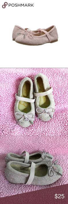 Toddler Girl Sam Edelman Felicia Ballet Studs Used condition!! Toddler Girl Sam Edelman Felicia Ballet Studs in size 5 🌸 Light pink color with silver studs 🌸 Has normal signs of wear. These are great as play shoes, and they could clean up well to be dress shoes again! 🌸  🎀Reasonable offers only please, no trades 🎀Price is FIRM when on FLASH SALE.    🎀Any questions? Ask!  🎀Zoom in on pictures!  🎀All my products are 100% authentic! Sam Edelman Shoes