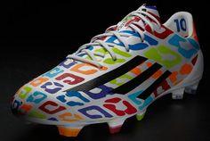 Adidas le regala a Messi unas botas llenas de colorido: ¡Feliz cumpleaños Leo!