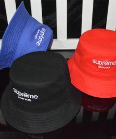 シュプリーム バケット ハット supreme classic logo Bucket Hat レディース メンズ 韓国芸能人愛用 BIGBANG着用 おしゃれ ブラック ブルー 赤 3色有 ストリート系帽子♡♡