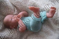 Alex, mon bébé Bérenguer , présente sa nouvelle salopette, elle est assez facile à réaliser , sans points compliqués ; TUTO MATERIEL laine à tricoter avec du 3,5 (22 mailles pour 10 cm) aig 3,5 aig 3 2arrêts de mailles 2 boutons POINTS EXPLICATIONS ICI...
