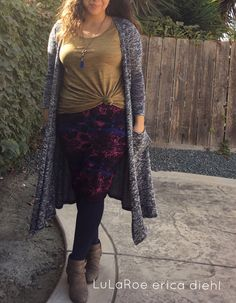 LuLaRoe Erica Diehl ~ The Cassie Skirt paired with a knotted Perfect Tee and Sarah Cardigan. Perfect fall outfit! LuLaRoe clothing is Simply Comfortable! #lularoe #fashion #fall #leggings #cassieskirt #perfecttee #sarahcardigan #unicorn #lularoeericadiehl #outfits #simplycomfortable