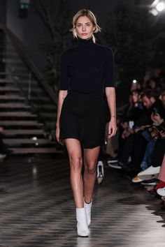ABOUT Built on Scandinavian simplicity, Filippa K is a fashion brand designing essential wardrobe pieces for women and men, including shoes, bags and accessories. Founded in Filippa K quickly… Fashion 2018, Runway Fashion, Womens Fashion, Stockholm Fashion Week, High Waisted Pencil Skirt, Maxi Styles, White Boots, Summer Wardrobe, Look