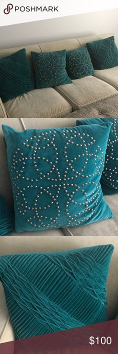 NICOLE MILLER HOME. Teal pillows. Set of 4. Like new. Smoke free home. Pet free home. Nicole Miller Other