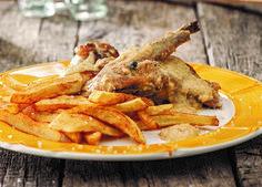 Στη Σαντορίνη τρώνε τυράυγουλο, στη Μήλο μανούρα με τα΄αυγά και στη Νάξο καλόγερους!... Chicken Wings, Meat, Food, Essen, Meals, Yemek, Eten, Buffalo Wings