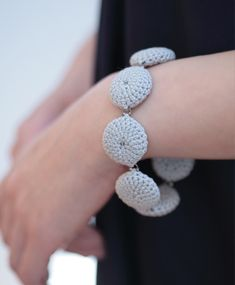 crochet bracelet http://www.afloplus.com/gallery.html