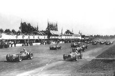 Milésimas: Un 3 de septiembre de 1945 nacía Thomas Monarch y en 1950 llegaba a su fin el primer campeonato de Fórmula 1 con la competencia de Monza y que luego de 7 episodios coronaba a Giuseppe Farina titular de la corona. http://milesim.blogspot.com.ar/2015/09/un-3-de-septiembre.html