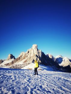 Passo di Giau #dolomites Road Trippers, Mount Everest, Italy, Mountains, Photo And Video, Nature, Travel, Instagram, Italia