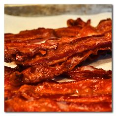 Ever wondered how to make bacon jerky? Well I will show you there is a way to do the impossible, make bacon even better! Pork Jerky Recipe Dehydrator, Smoker Jerky Recipes, Oven Jerky, Jerkey Recipes, Bacon Recipes, Bacon Jerky Recipe Dehydrator, Jar Recipes, Food Dehydrator, Freezer Recipes