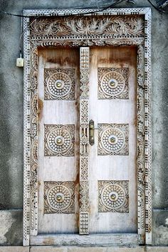 Make an entrance with these beautiful doors of Stone Town, Zanzibar Grace Olguin Cool Doors, The Doors, Unique Doors, Entrance Doors, Doorway, Windows And Doors, Grand Entrance, Front Doors, Knobs And Knockers
