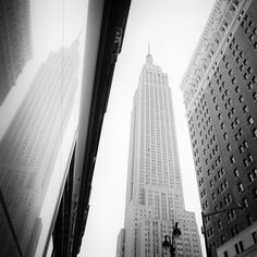 incl. VATexcl. shipping costsPRINT SIZE: ... Panorama Camera, Berg, Fine Art Paper, Empire State Building, Black And Brown, Landscape Photography, New York City, Skyscraper, Exhibitions