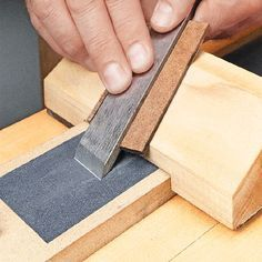 Super Sharp, Super Fast | Woodsmith Tips http://www.woodsmithtips.com/2012/07/05/ripping-thin-strips/