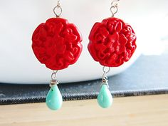 again, love red and turquoise color combo
