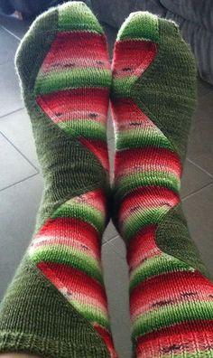 Ravelry: Niala's Melon surfer, in my Rav queue Crochet Socks, Knitted Slippers, Knitting Socks, Hand Knitting, Knit Crochet, Knitting Patterns, Crochet Patterns, Patterned Socks, Knit Picks