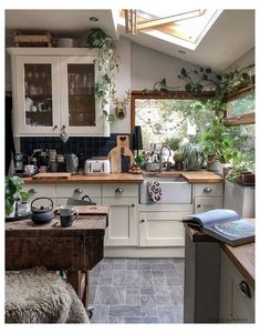 35+ Boho Kitchen Decor Ideas for House or Apartment Looking for a bit of design inspiration for your new boho kitchen? You came to the right place! Getting the boho look right is easier than you think. There are a few em elements which will allow you to transform your plain and simple looking kitchen into a quirky cool corner where all the magic […]