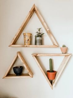 Set of 3 Triangle Sheves, Triangle Shelf Set, Wooden Triangle Shelves, Triangle Wall Shelf, Triangle Wooden Wall Design, Wooden Wall Shelves, Wooden Walls, Triangle Wood Shelf, Triangle Wall, Archways In Homes, Room Ideas Bedroom, Bedroom Decor, Modern Plant Stand