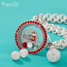 Check out all of Origami Owl's new Limited Edition Items for Christmas. Just click on the pic!