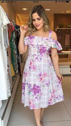 Simple Dresses, Pretty Dresses, Casual Dresses, Fashion Dresses, Girls Dresses, Curvy Fashion, Girl Fashion, Kurta Designs Women, Frocks For Girls