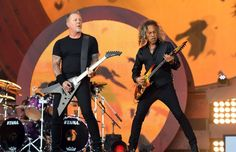 James Hetfield Photos Photos - Kirk Hammett (R) and James Hetfield of Metallica perform at the 2016 Global Citizen Festival in Central Park to end extreme poverty by 2030 at Central Park on September 24, 2016 in New York City. / AFP / ANGELA WEISS - Global Citizen Festival 2016