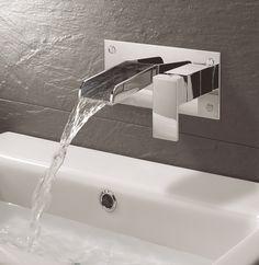 Die Eleganz des originellen Wasserfalldesigns der Armaturen aus der Reihe Water Square von Crosswater ist nach wie vor unübertroffen. www.yesbadezimmer.de