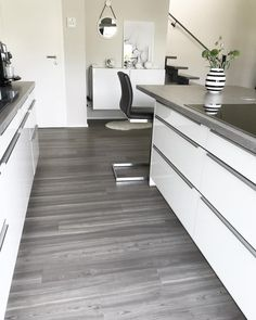 die besten 25 runde k cheninsel ideen auf pinterest rostfreier stahl gekr mmte k cheninsel. Black Bedroom Furniture Sets. Home Design Ideas