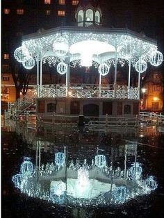 Parque de La Florida con decoración navideña. Un bonito lugar para sentarse a descansar, tomar un aperitivo...