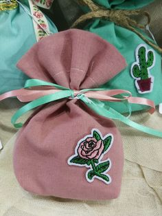 Applique flowers favors Vintage baptism pouch Koufeta favors Rose girl bombonieres christening favors giveaway ideas Guests gifts party