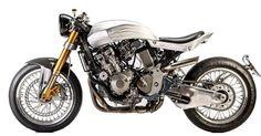 Honda Hornet 600 Cafe Racer - Polita Family Garage #motorcycles #caferacer #motos | caferacerpasion.com