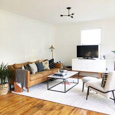 Bright clean modern living room by southwestbysoutheast on instagram #westelm #moderdecor #darlinghome #surfshack #mywestelm