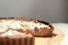 Vintage Monday - Chocolate Mint Mousse Pie: Vintage Kitchen Notes