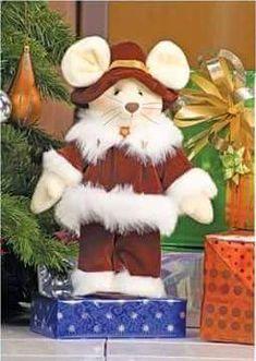 RATONES NAVIDEÑOS Plastic Canvas, Christmas Diy, Teddy Bear, Seasons, Toys, Animals, Mice, Couture, Ideas