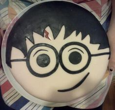 Harry potter cake! i'm going to need this for my birthday!