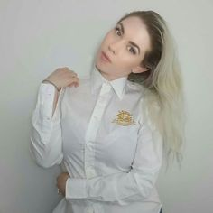 White Shirt Outfits, Sexy Outfits, Dress Outfits, Dresses, White Blouses, White Shirts, Satin Shirt, Collar Blouse, Neckties