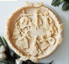 Christmas nine ladies dancing pie top crust Christmas Desserts, Christmas Baking, Christmas Pies, Christmas Kitchen, Pie Dessert, Dessert Recipes, Creative Pie Crust, Beautiful Pie Crusts, Pie Crust Designs