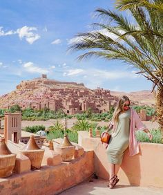 """Call me Khaleesi because I'm here to conquer Yunkai.  Morocco is a @GameOfThrones lovers dream! I loved touring all the #GameOfThrones filming locations with @visit_morocco_ I even nerded out a little more than a little bit!  Check my insta-stories for a recap of visiting Yunkai and even see the """"before and after"""" @HBO's digital recreation of the city of Yunkai.  : @tourdelust  #MuchMorocco #GLWJmorocco"""