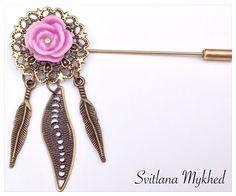 Broche Fibule composée de dentelle bronzè avec une rose : Broche par perles-et-couronnes