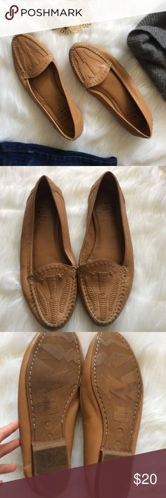 Vintage Leather Moccasins Vintage leather moccasins in light brown size 8.5. Leather upper. Other parts man made. Made in Brazil. Mixed blues is a vintage 80s 90s brand. Ask if any questions💕 Mixed Blues Shoes Moccasins