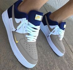 4 Easy And Cheap Useful Tips: Shoes Trainers Life nike shoes with jeans.Shoes Sneakers Mens work shoes for men. Cute Sneakers, Sneakers Mode, Sneakers Fashion, Shoes Sneakers, Jordans Sneakers, Shoes Sandals, Jeans Shoes, Sneaker Heels, Converse Shoes