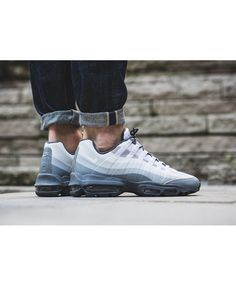quality design 1ddec 6c01c Mens Air Max 95 Ultra Essential White Light Grey Trainer Stylish design and  chic lines, 95 created our Nike for another avant-garde view.