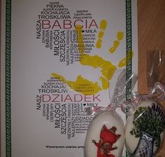 Upominek na Dzień Babci i Dziadka Diy And Crafts, Crafts For Kids, Art Drawings Sketches, Kids Playing, Christmas Bulbs, Holiday Decor, Cards, Home Decor, Montessori