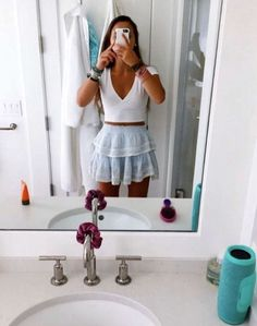Most Trending Summer Outfits Ideas For Women Exquisite info! women summer outfits sandals Check the webpage to learn more women summer outfits sandals Cute Comfy Outfits, Cute Summer Outfits, Simple Outfits, Stylish Outfits, Spring Outfits, Pretty Outfits, Beautiful Outfits, Teenage Outfits, Teen Fashion Outfits