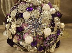 Vintage Brooch Bouquet....family & friends gift a pin for your special day.