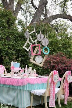 Vintage Glam Alice in Wonderland party with DIY tips, tutorials and repurposing ideas. Party designed by Toni Roberts - MichaelsMakers Design Dazzle decor diy party Vintage Glam Alice In Wonderland Party - Design Dazzle Vintage Glam, Aqua Party, Mad Hatter Party, Mad Hatter Tea, Mad Hatter Birthday Party, Alice Tea Party, Mad Tea Parties, Alice In Wonderland Birthday, Alice In Wonderland Party Ideas